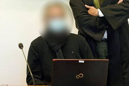 Der Angeklagte im Gericht in Köln. Foto: Roberto Pfeil/dpa