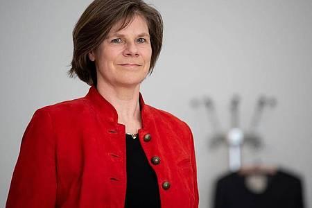 Ulrike Protzer, Direktorin des Instituts für Virologie an der TUM und am Helmholtz Zentrum München, nimmt an einer Pressekonferenz der bayerischen Universitätskliniken teil. Foto: Sven Hoppe/dpa