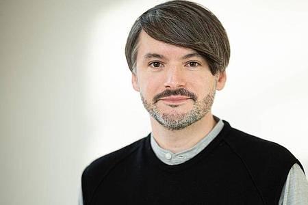Sa?a Stani?i? steht eine weitere Auszeichnung für seinen Roman «Herkunft» ins Haus. Foto: Daniel Reinhardt/dpa