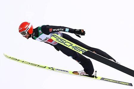 Sprang in Garmisch auf 137,5 Meter: Markus Eisenbichler. Foto: Daniel Karmann/dpa