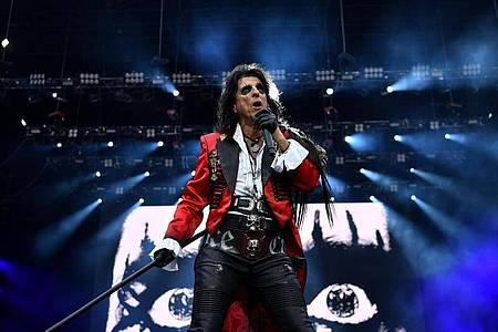 Alice Cooper glaubt an die Zukunft der Rockmusik. Foto: Joel Carrett/AAP/dpa