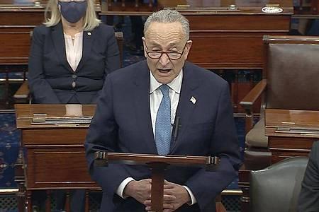 Der Minderheitsführer der Demokraten im Senat, Chuck Schumer, nannte die Aufrührer «inländische Terroristen». Foto: Uncredited/Senate Television/AP/dpa
