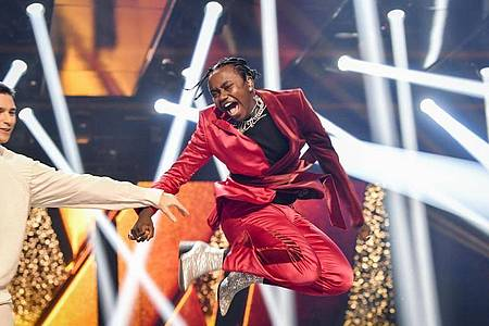 Unbändige Freude:Tusse feiert seinen Sieg beim schwedischen Melodifestivalen. Foto: Henrik Montgomery/TT News Agency via AP/dpa
