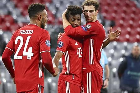 Titelverteidiger Bayern München startete mit einem Kantersieg in die Königsklasse. Foto: Matthias Schrader/Pool AP/dpa