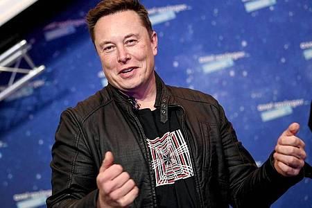 Die atemberaubende Kursrally des US-Elektroautobauers Tesla an der Börse hat Firmenchef Elon Musk laut dem Milliardärs-Ranking «Bloomberg Billionaires Index» zum reichsten Menschen der Welt aufsteigen lassen. Foto: Britta Pedersen/dpa-Zentralbild/dpa-pool/dpa