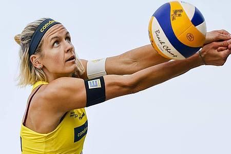 Bei den deutschen Beachvolleyball-Meisterschaften schon ausgeschieden: Laura Ludwig. Foto: Frank Molter/dpa