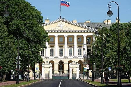 In der Stadtverwaltung arbeitete Wladimir Putin in den 1990er Jahren und war dort unter anderem für internationale Beziehungen zuständig. Foto: Ulf Mauder/dpa