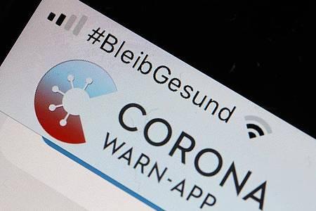 Stockt aktuell auf manchen Smartphones mit Android-Betriebssydtem:Die Corona-Warn-App. Foto: Oliver Berg/dpa