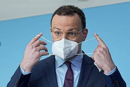 Gesundheitsminister Spahn mahnt zur stärkeren Kontrollen von 3G-Nachweisen an. Foto: Michael Kappeler/dpa