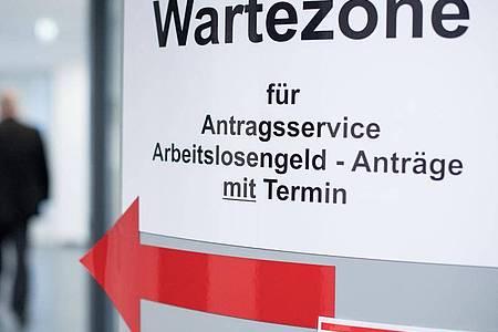 Langzeitarbeitslos über Jahre - Ostdeutsche stecken besonders oft in Hartz IV fest. Foto: Sebastian Gollnow/dpa