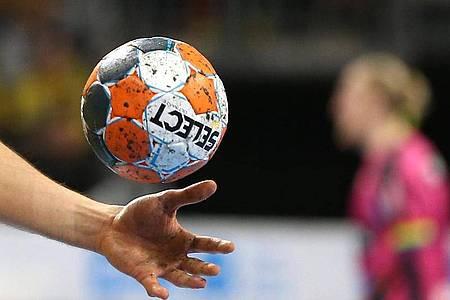 Kann die Handball-Bundesliga mit Zuschauern starten?. Foto: Michael Deines/dpa