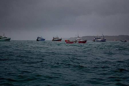 Französischen Fischerboote auf dem Ärmelkanal. Symbolbild. Foto: Gary Grimshaw/Bailiwick Express/PA Media/dpa