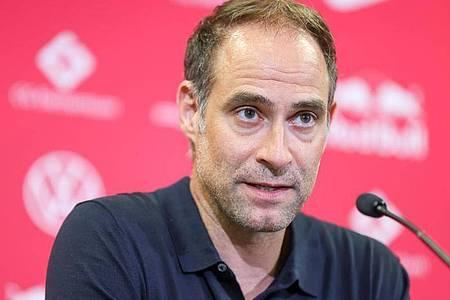 Oliver Mintzlaff trauert Trainer Julian Nagelsmann nicht hinterher. Foto: Jan Woitas/dpa-Zentralbild/dpa