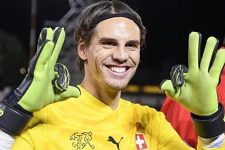 Der Schweizer Fußball-Nationalspieler Yann Sommer ist zum zweiten Mal Vater geworden. Foto: Anthony Anex/KEYSTONE/dpa