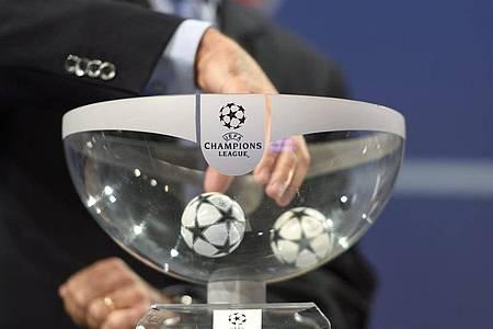 Titelverteidiger FCBayern München trifft in der Gruppenphase der Champions League auf Atletico Madrid. Foto: Martial Trezzini/KEYSTONE/dpa
