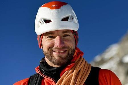 Klettern und Bergsteigen sind seine Leidenschaften: Manuel Haff darf sich nach Abschluss seiner Ausbildung staatlich geprüfter Berg- und Skiführer nennen. Foto: Angelika Warmuth/dpa-tmn
