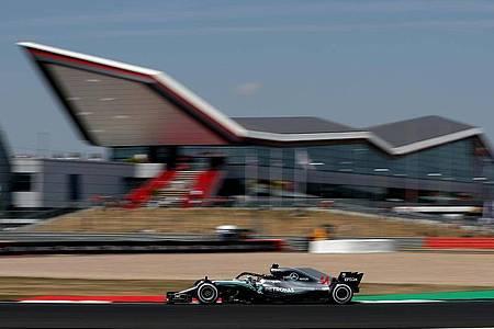 Die Austragung der geplanten zwei Formel-1-Rennen in Silverstone ist nach wie vor unsicher. Foto: Martin Rickett/PA Wire/dpa