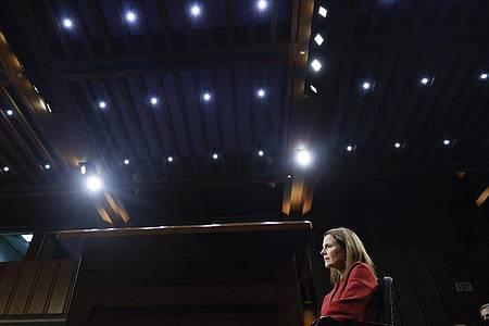Richterkandidatin Amy Coney Barrett hielt sich bei kontroversen Fragen bedeckt. Foto: Samuel Corum/Pool Getty Images North America/AP/dpa