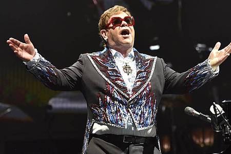 Elton John tritt während seiner Elton John Farewell Yellow Brick Road Tour auf. Foto: Rob Grabowski/Invision/AP/dpa