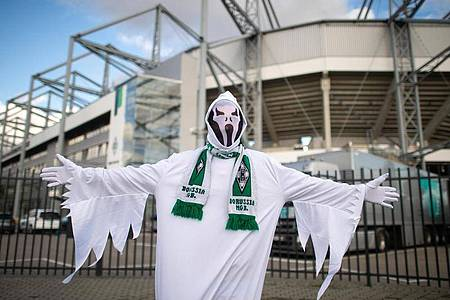 Die Bundesliga setzt die Saison mit Geisterspielen fort. Foto: Jonas Güttler/dpa