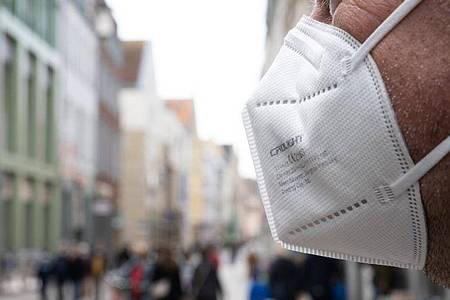 Deutschlandweit wurden binnen 24 Stunden 33 neue Todesfälle verzeichnet. Foto: Stefan Sauer/dpa