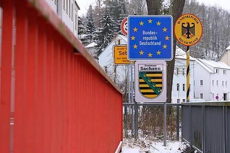 Das Nachbarland Tschechien zählt als Hochrisikogebiet. Nun gelten strengere Einreiseregeln nach Deutschland. Foto: Sebastian Kahnert/dpa-Zentralbild/dpa