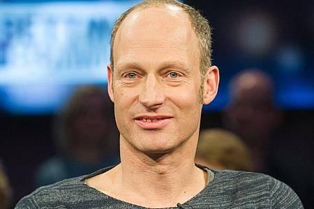 JoachimMeyerhoff steht in Berlin als Vernon Subutex auf der Bühne. Foto: Ole Spata/dpa