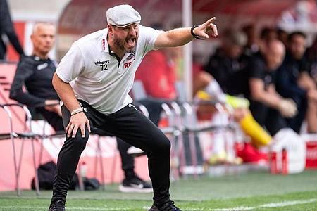Kölns Trainer Steffen Baumgart trieb seine Mannschaft zum späten Sieg gegen den VfL Bochum. Foto: Marius Becker/dpa