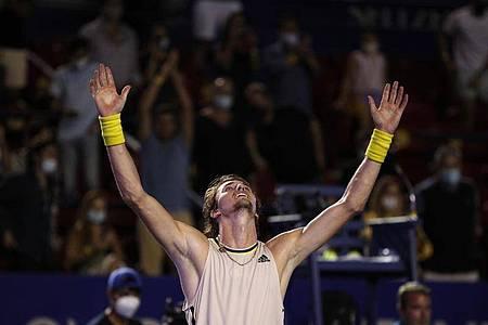 Alexander Zverev feiert seinen Sieg beim Finale in Acapulco. Foto: Rebecca Blackwell/AP/dpa