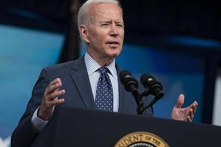 US-Präsident Joe Biden verschärft das Vorgehen gegen chinesische Firmen mit angeblichen Verbindungen zum chinesischen Militär. Foto: Evan Vucci/AP/dpa