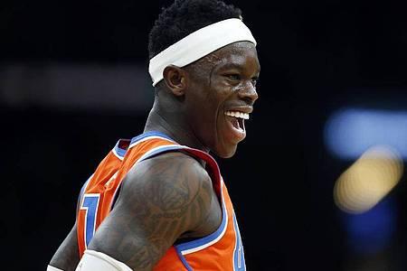 Dennis Schröder wird in den NBA-Playoffs wieder für Oklahoma City Thunder spielen. Foto: Michael Dwyer/AP/dpa