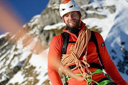 Er ermöglicht seinen Gästen den Weg zum Gipfel: Manuel Haff ist angehender Bergführer. Foto: Angelika Warmuth/dpa-tmn