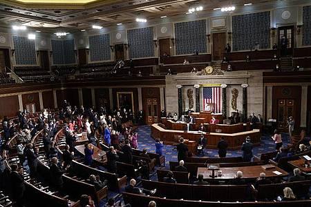 Nancy Pelosi, Sprecherin des Repräsentantenhauses der USA, leitet den Eröffnungstag des neuen US-Kongresses am 3. Januar. Foto: Erin Scott/Pool Reuters/AP/dpa