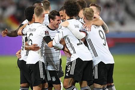 Das DFB-Team feierte in Stuttgart einen deutlichen Sieg gegen Armenien. Foto: Tom Weller/dpa