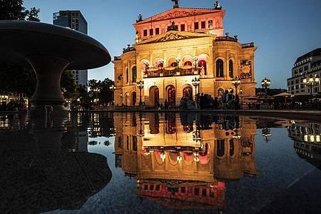 Die Alte Oper in Frankfurt. Foto: Boris Roessler/dpa
