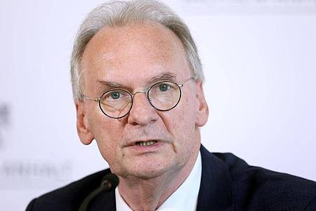 Reiner Haseloff stellt sich zur Wiederwahl als Ministerpräsident von Sachsen-Anhalt. Foto: Ronny Hartmann/dpa