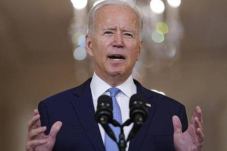 Joe Biden, Präsident der USA, spricht über Afghanistan im State Dining Room des Weißen Hauses. Foto: Evan Vucci/AP/dpa
