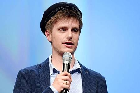 Moritz Neumeier bei der Verleihung des Nannen Preises 2016 in Hamburg. Foto: picture alliance / dpa