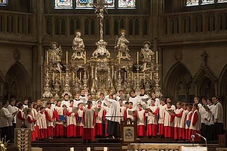 Die Regensburger Domspatzen im Dom St. Peter. Foto: picture alliance / dpa