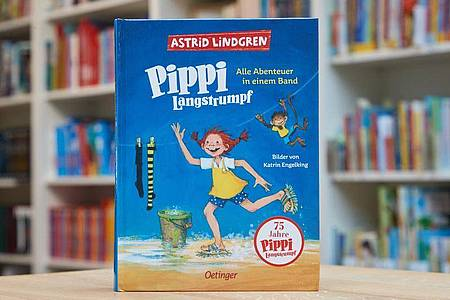 Der Bestseller «Pippi Langstrumpf» von Astrid Lindgren, alle Abenteuer in einem Band, erschienen im Oetinger Verlag,. Foto: Georg Wendt/dpa