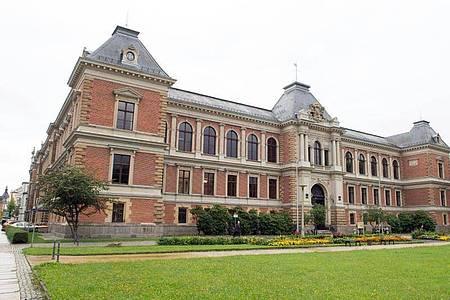 Das Gebäude des Amts- und Landgerichts in Zwickau. Foto: Sebastian Kahnert/dpa-Zentralbild/dpa