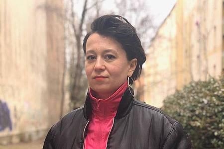 Ewelina Benbenek erhält den Dramatikpreis für «Tragödienbastard». Foto: Elisa Maria Schmitt/Stadt Mülheim/dpa