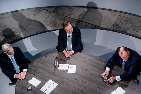Vor der Wahl des CDU Bundesvorsitzenden stellen sich die Kandidaten in der per Livestream übertragenen Diskussion erneut den Mitgliedern. Foto: Michael Kappeler/dpa