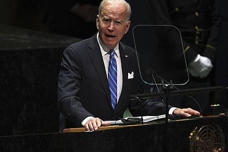 Joe Biden (l), Präsident der USA, spricht während 76. Generaldebatte der UN-Vollversammlung. Foto: Timothy A. Clary/Pool AFP/AP/dpa