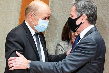 Jean-Yves Le Drian (l), Außenminister von Frankreich, und Anthony Blinken, Außenminister der USA. Foto: Bernd von Jutrczenka/dpa