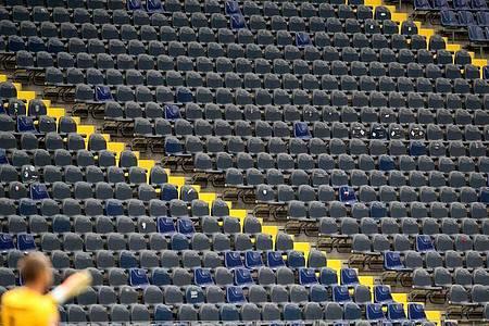 Auch am 4. Spieltag der Bundesliga lässt die Coronavirus-Pandemie kaum Zuschauer in den Stadien zu. Foto: Alexander Hassenstein/getty/Pool/dpa