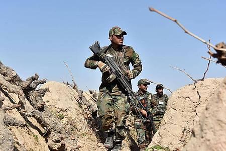 Soldaten der afghanischen Regierung Ende Februar bei einer Militäroperation in Kandahar. Foto: Sanaullah Seiam/XinHua/dpa