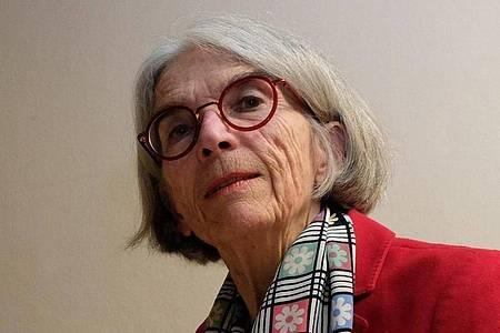 Die US-amerikanische Schriftstellerin Donna Leon muss nicht ständig unterwegs sein. Foto: Sebastian Willnow/dpa-Zentralbild/dpa