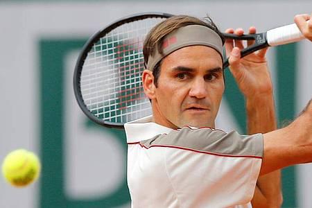 Nicht alle Stars machen via Homeoffice so eine gute Figur wie Roger Federer. Foto: Michel Euler/AP/dpa