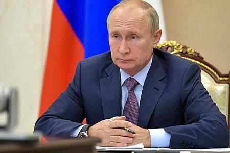 Putin hatte am Freitag eine Verlängerung des Abrüstungsvertrags um mindestens ein Jahr ohne Bedingungen vorgeschlagen. Foto: Alexei Druzhinin/Pool Sputnik Kremlin/AP/dpa